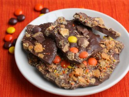 Halloween Candy Bark | 10 Desserts To Make With Your Leftover Halloween Candy
