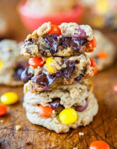 Reese's Pieces Soft Peanut Butter Cookies   10 Desserts To Make With Your Leftover Halloween Candy